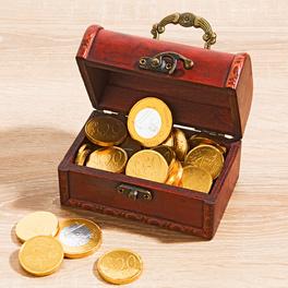 Coffre garni de pièces en chocolat