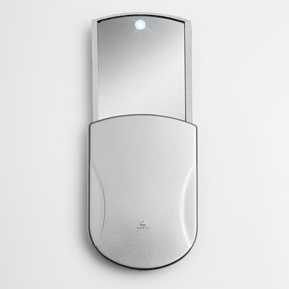 Miroir de poche avec led vitrine magique for Miroir de poche mirrorbook air