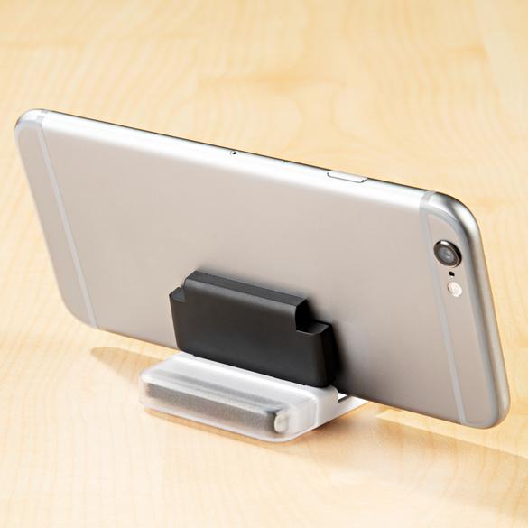 Nettoie-écran et support pour smartphone 2 en 1