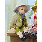 Garçon en costume traditionnel